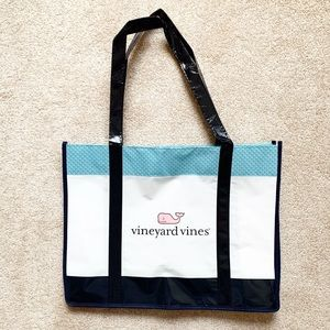 Classic Vineyard Vines shopping tote bag